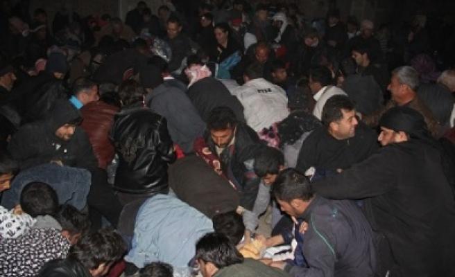 Suriyeli mültecilere battaniye yardımı yapıldı