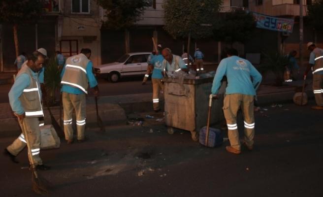 Tahrip edilen cadde temizlendi