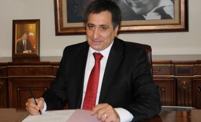 Urfa'nın yeni Valisi Gazeteci Uzun'a konuştu