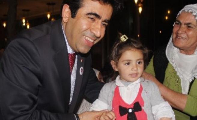 Vali Güzeloğlu Yardıma Muhtaç Ailelerle Yemekte Buluştu