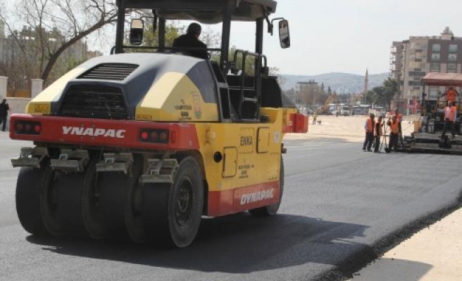 Yeni 35 metrelik yol asfaltlanıyor