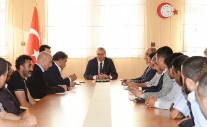 Vali Deniz, Amatör Spor Kulüpleri Yöneticileriyle Toplantı Yaptı