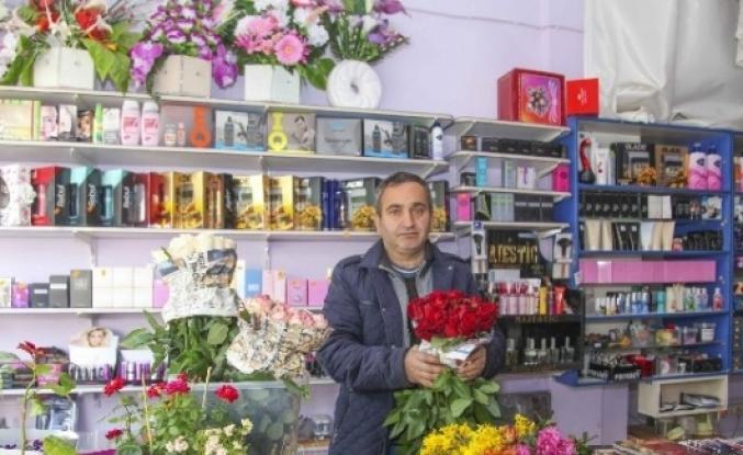 Çiçekçilerde 24 Kasım Hazırlığı