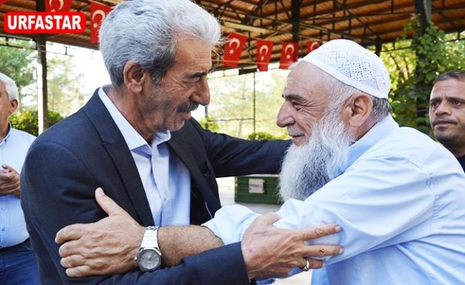 Başkan Aydın ilçe halkıyla bayramlaştı