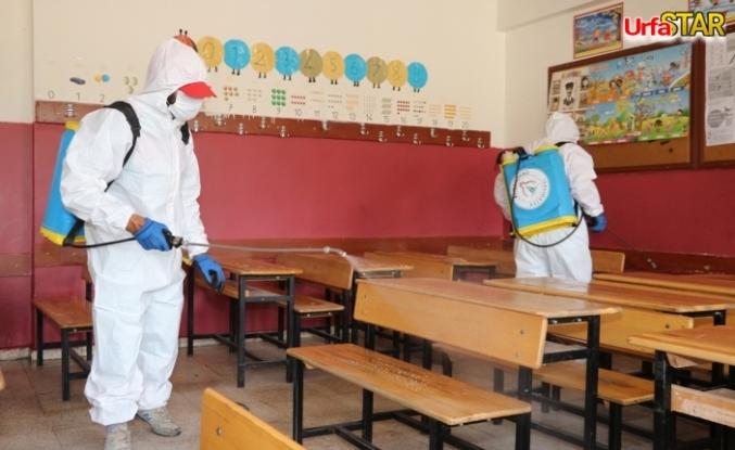 Karaköprü'de okullar dezenfekte ediliyor