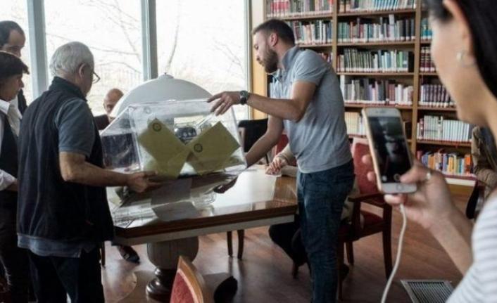 AK Parti'de oy verme sisteminin değişmesi tartışılıyor