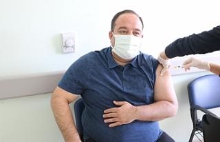 Başkan Ekinci ilk aşısını oldu