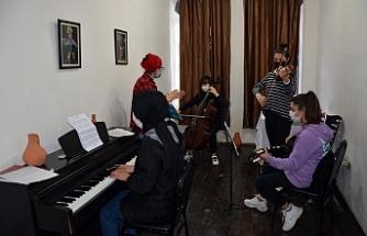 Siverek Belediyesi kurslarına yoğun ilgi