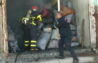 Eyyübiye'de kömür deposunda yangın
