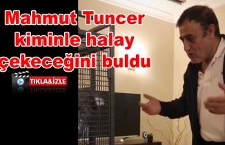 Mahmut Tuncer papağanıyla karşılıklı halay çekti